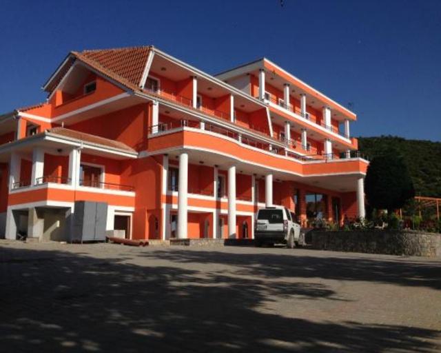 Lake Park Hotel, Pogradecit