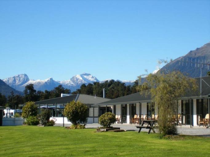Heritage Park Lodge, Westland