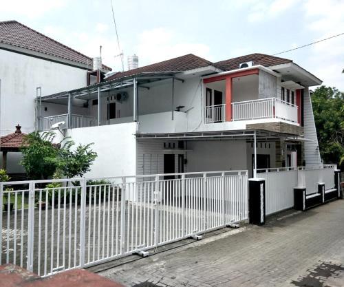 Sumarah Homestay 4 bed rooms, Yogyakarta