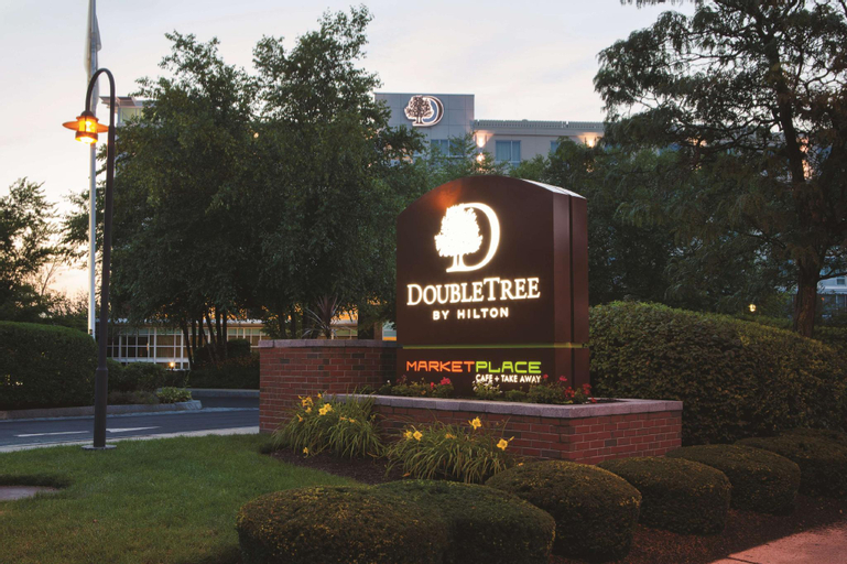 DoubleTree by Hilton Boston Bayside, Suffolk
