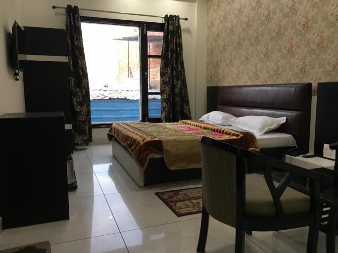 Hotel White City, Rupnagar