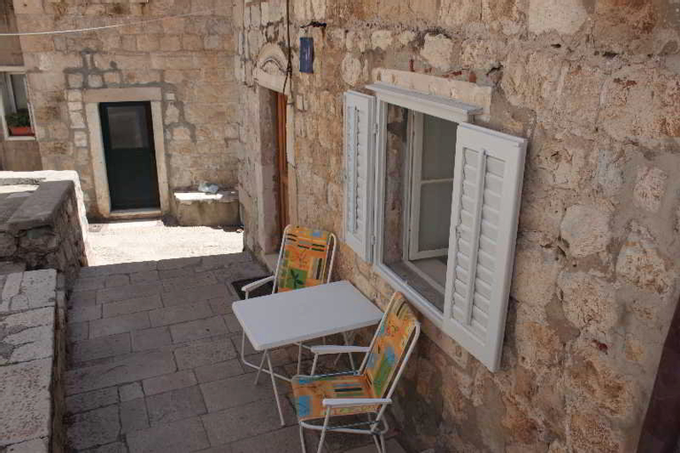 Vesna, Dubrovnik