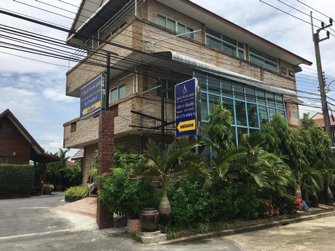 Khum Klao Teak Hut Resort, Min Buri