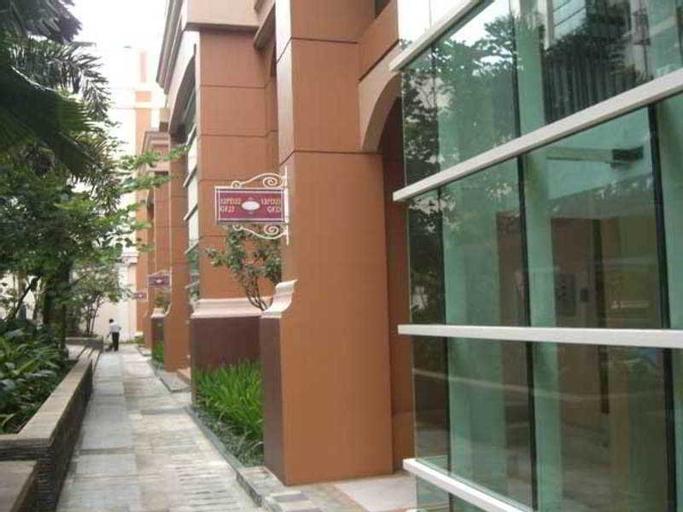 Maven Moi Suites, North Jakarta