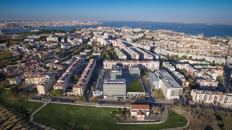 Mercure Lisboa Almada, Almada