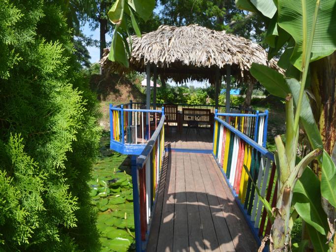 Sakhanthar Hotel Garden, Meiktila