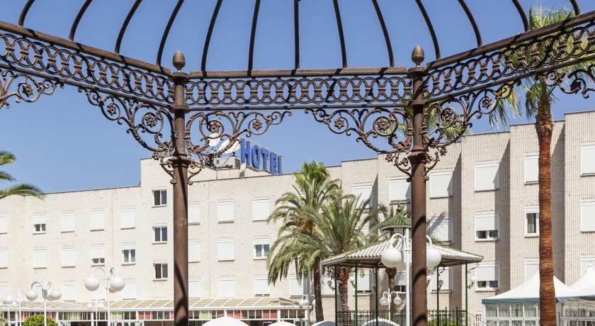 Hotel ILUNION Las Lomas, Badajoz