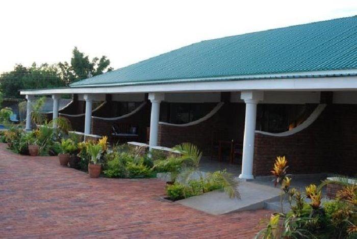 Dzimbahwe Guest Lodge, Hwange