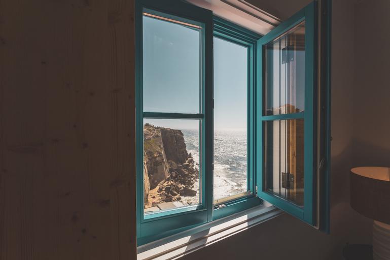 Azenhas do Mar West Coast Design & Surf, Sintra