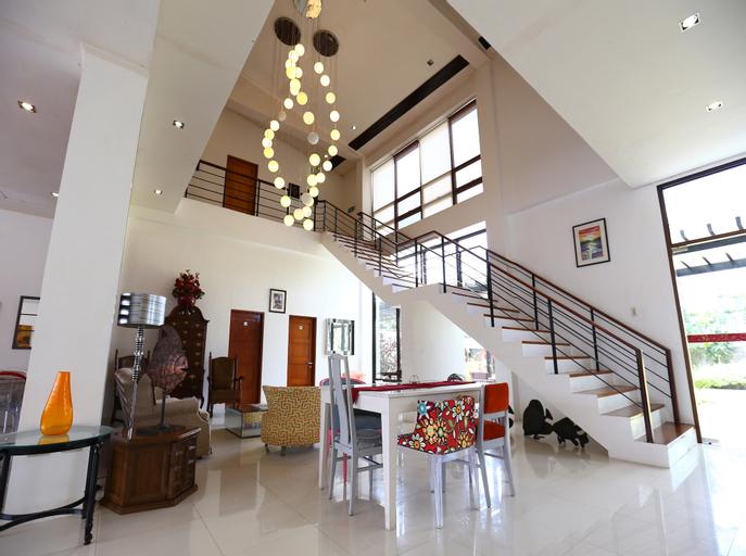 Wilson's Place, Mendez