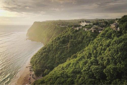 Kusuma Cliff, Badung