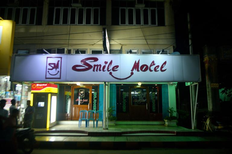 Smile Motel, Pyay