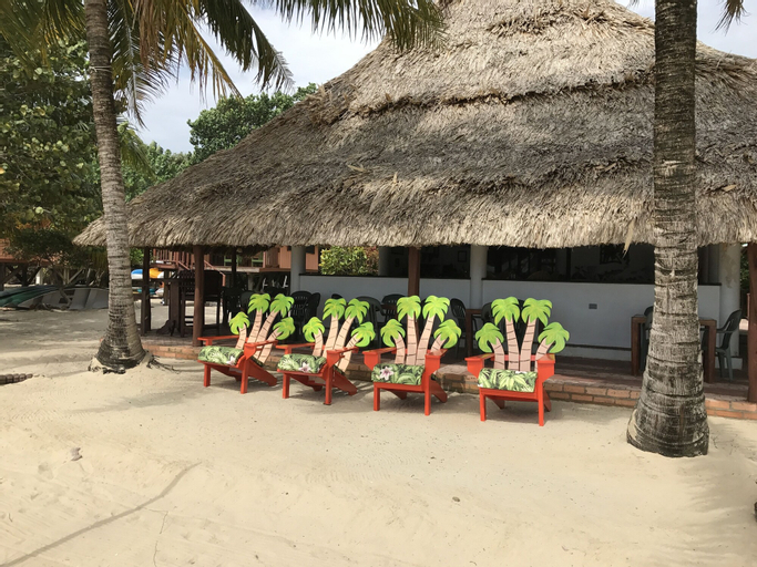 Green Parrot Beach Houses and Resort,