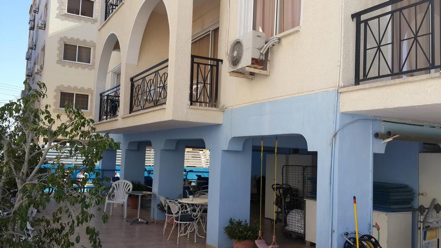 Pasianna Hotel Apartments,