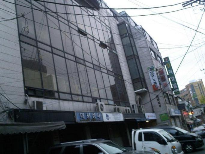 Hill Livingtel Yongsan, Yongsan