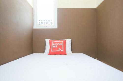 RoomMe Pondok Gede Tugu21, Bekasi
