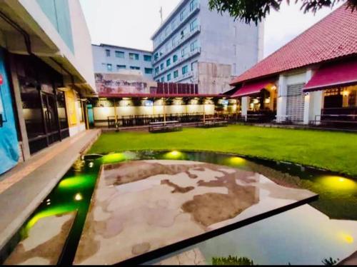 Flophouse Hostel, Bandung