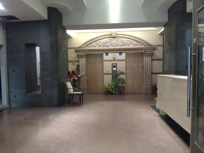 Denver Mllan Hotel, Yulin