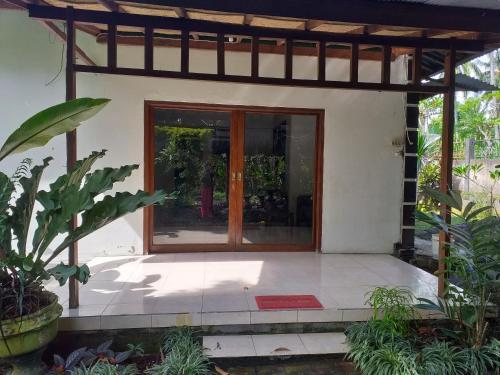 Agung family guest house, Buleleng