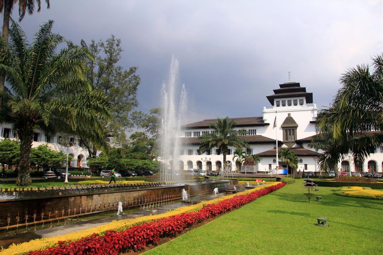 Rumah Tawa Guest House Syariah, Bandung