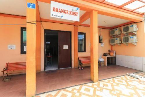 Orange Kost, Surabaya