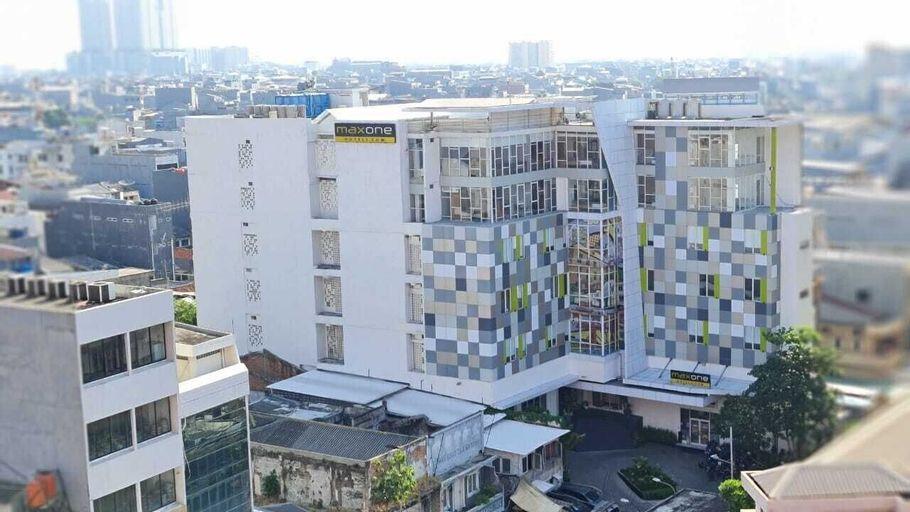 MaxOne Signature Glodok Jakarta, West Jakarta