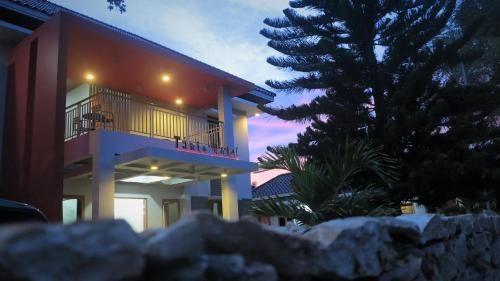 Tanto Hotel, Sumba Timur