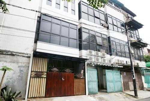 Kamar Keluarga Mangga Besar IV, Central Jakarta