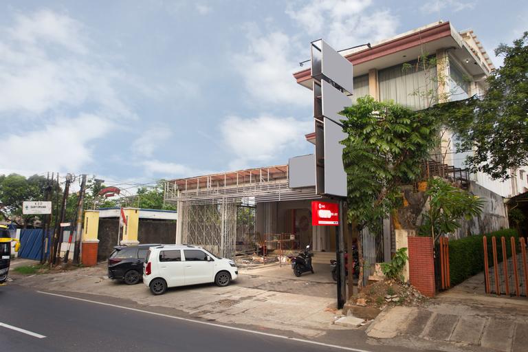 OYO 2443 INNJOY TRANSM BANYUMANIK, Semarang