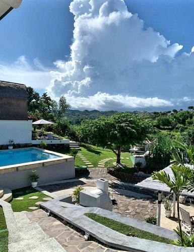 Lombok Hill Wiolett, Lombok