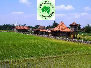 Alamanda family Villas Pool Yogyakarta (Pet-friendly), Sleman