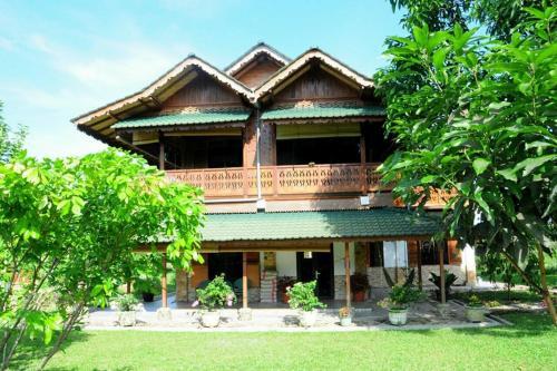 Sawah Indah Guest House, Langkat