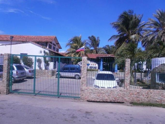 Tropical Refuge, Antolín del Campo
