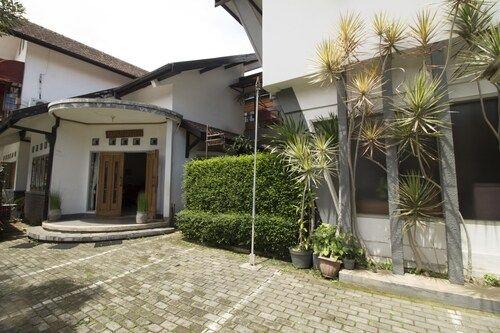 RedDoorz @ Setrasari, Bandung