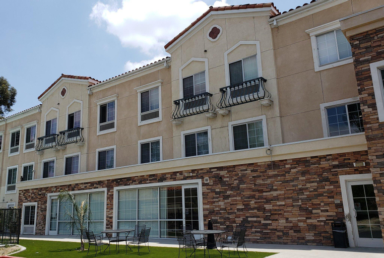 Country Inn & Suites by Radisson, San Bernardino (Redlands), CA, San Bernardino