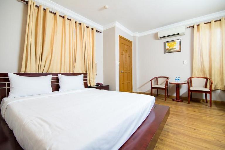 Quynh Giang Hotel Tan Binh Dist, Tân Bình