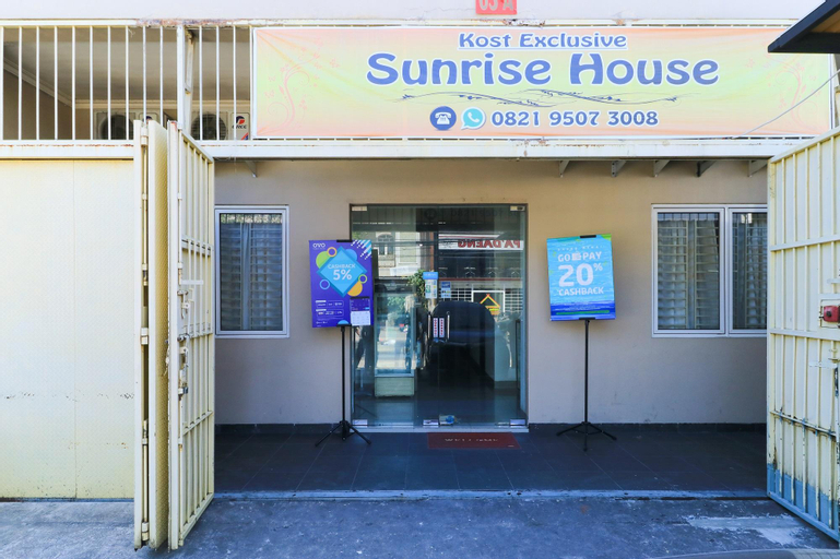 Sunrise House, Makassar