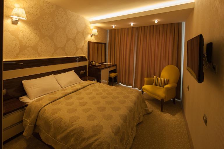 Armin Hotel, Merkez