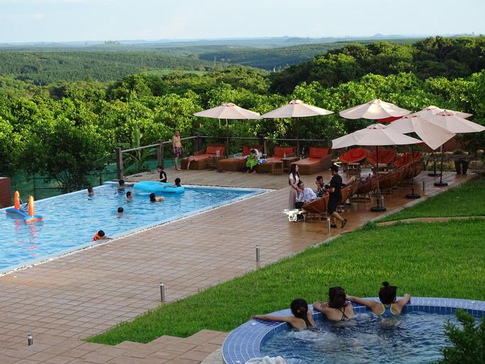 Ratanakiri Paradise Hotel & Restaurant (Pet-friendly), Ban Lung