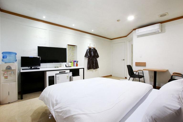 Abata Hotel, Goyang
