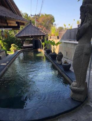 Villa Lalang Lovina included breakfast with staff, Buleleng
