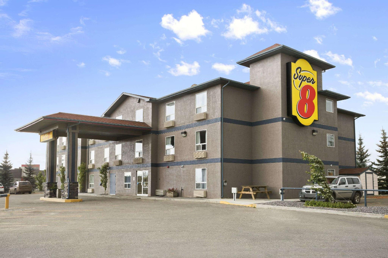 Super 8 by Wyndham Whitecourt, Division No. 13