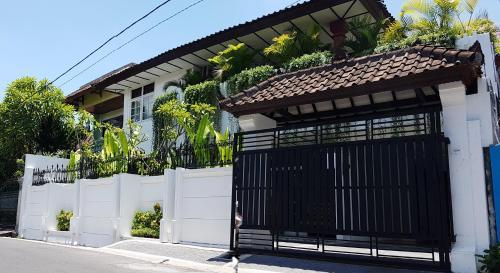 Wiku Guest House, Denpasar