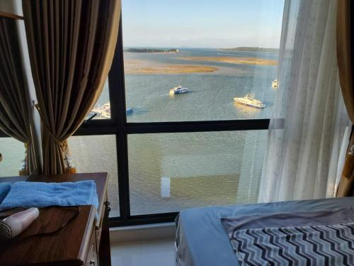 5 min walk from Port, Citi-Sea-view, 2BR for 5pax, Batam