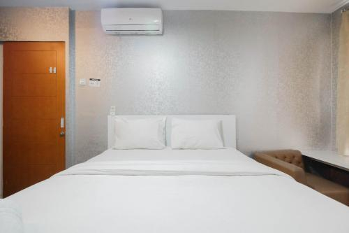 Well Appointed 1BR Apartment at Cinere Bellevue Suites, Depok