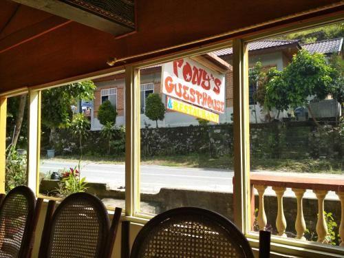 Tony's Guesthouse & Restaurant 1, Samosir