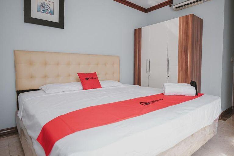 RedDoorz Residence @ Taman Rasuna Apartment, South Jakarta