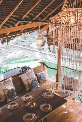 All inclusive surf lodge: Driftwood Mentawai, Kepulauan Mentawai