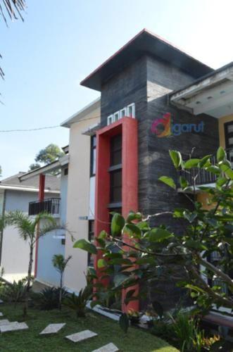 Villa Sinar Pusaka Merah, Garut
