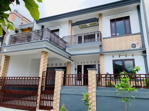 Guesthouse Harsadhana, Malang